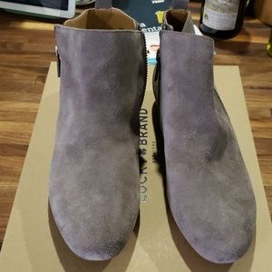 Gray suede short boots